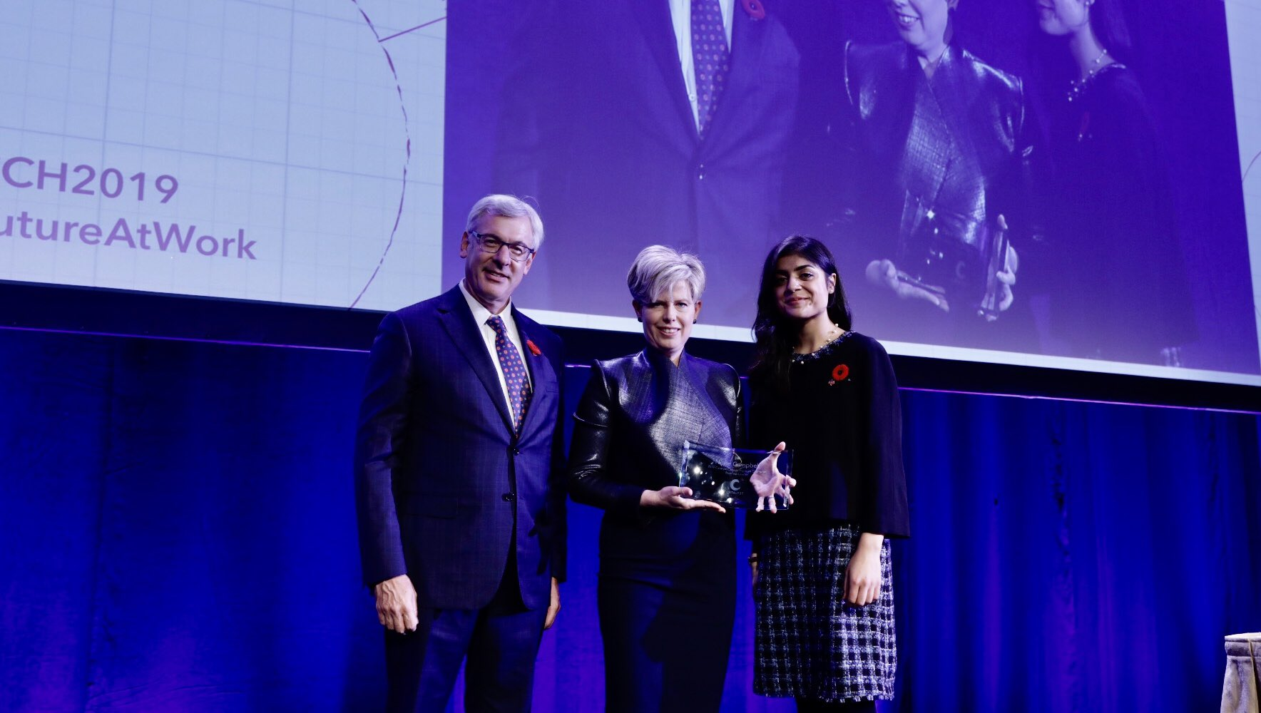 Norie Campbell, Group Head, Customer & Colleague Experience, TD Bank Group (with award)