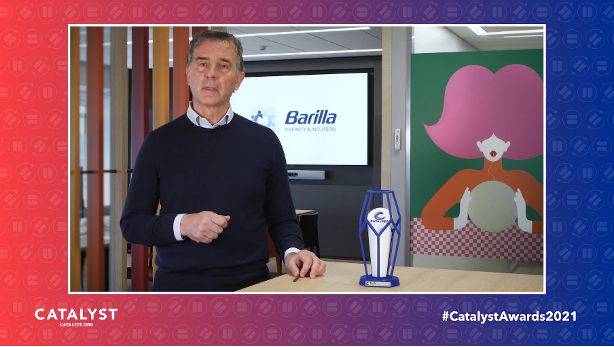 Claudio Colzani, CEO of Barilla, accepting the 2021 Catalyst Award.